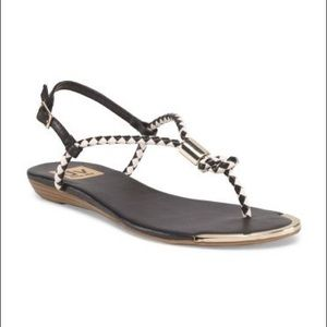 Dolce Vita Women's Black & White Thong Sandal EUC